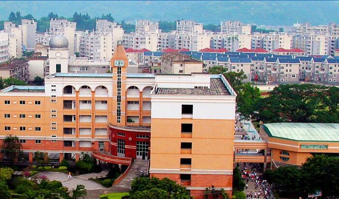 连江第一中学校园风光
