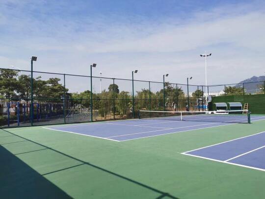 集美中学网球场