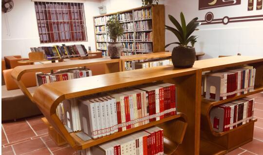 集美中学阅览室